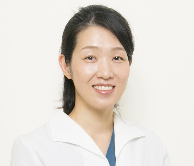歯科医師安永真子