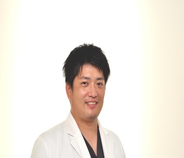 歯科医師出来田 雅人